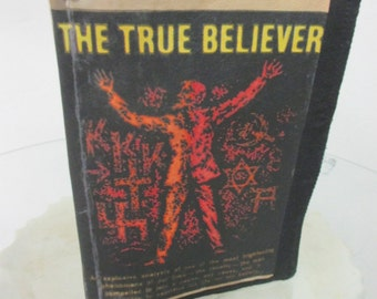 Paperback Pulp Fiction Kindle Case - The True Believer -e reader case - Turns Your Boring Kindle into a Trashy Paperback