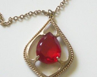 Vintage 1970's Signed Sarah Coventry Scarlet Tears Red Crystal Glass Pendant Necklace
