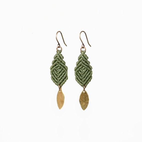 Mini Leaves Earrings
