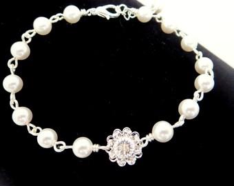 Bridesmaid bracelet, Crystal Bridal bracelet, Wedding bracelet, Bridal jewelry, Simple bracelet, Adjustable bracelet, Swarovski crystal