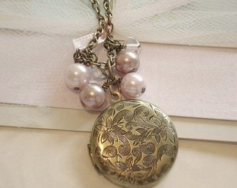 Round Brass Locket Flower Brass Locket Necklace with Pearls Bridesmaid Lockets Personalized Jewelry Wedding Necklace