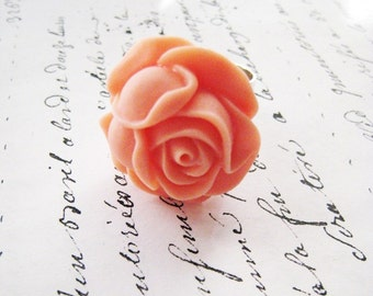 Peach rose ring. Rose flower ring. Cabbage rose ring. Hammered silver ring. Ballet pink flower. Ballet pink rose. Ballet pink ring.