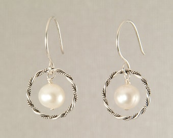 Modern pearl earrings, white pearl earrings, pearl dangle earrings, pearl bridesmaid jewelry, silver circle earrings, handmade jewelry