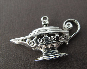 vintage 3D sterling silver magic lamp charm pendant