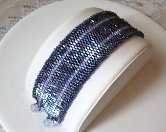 Iridescent Lavender Woven Bead Bracelet
