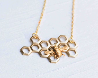 Honey Bee Honeycomb Necklace Beekeeper Golden BEE Beehive Busy Bee
