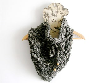 Grey Chunky Scarf  Knitted Cowl Triangular Neckwarmer