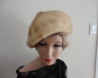 Vintage Blond Mink Fur Women 60s La Mode de Paris Montreal Extra Small 20 3/4 inches