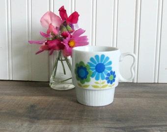 Retro Mug - Bright funky flowers