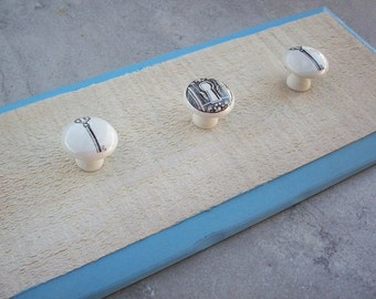 Reclaimed Wood Jewelry Hanger  ~  Leash Hanger  ~  Towel Hanger with Porcelain Decorative Knobs  ~  Reclaimed Wood
