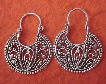 Balinese hoop Sterling Silver Earrings / granulation process / Bali handmade jewelry