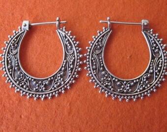 Bali Hoop Sterling Silver Earrings / silver 925 / Balinese handmade jewelry / granulation technique