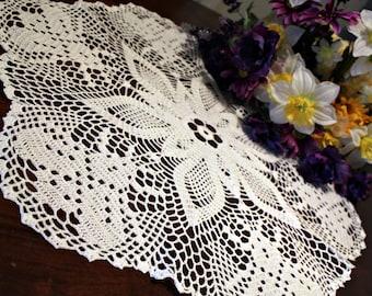 Beautiful Bumble Bee Crochet doily