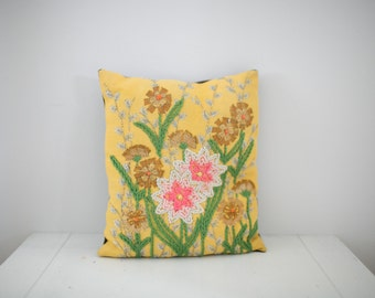 Vintage 1960's, Needlepoint Flower Pillow