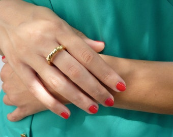 Thin Gold Ring - Gold Plated Ring with a Twisting Wire - 18k Gold Plate - Handcrafted Jewelry