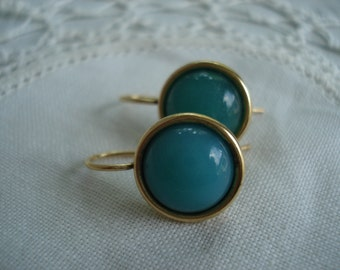 Vintage Green Jade Glass Earrings in Gold