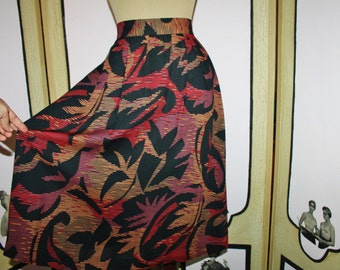 GORGEOUS Vintage 1980's Abstract Print Skirt in Warm Colors on Black. Size Small.
