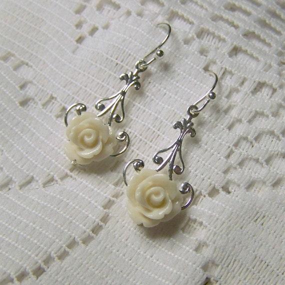 Silver Earrings - Ivory Rose - Fleur de lis - Bridesmaids Wedding - Winter White