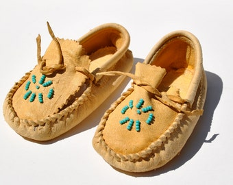Vintage childs moccasins 1940's deer hide turquoise beads soft leather