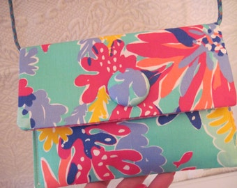 Lilly Pulitzer Fabric Resort Trippin and Sippin Small Cross Body Purse Handbag