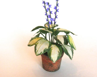 Flower Kit LARGE HOSTA  miniature flower kit  dollhouse garden or conservatory, Dollhouse Miniature plant flower