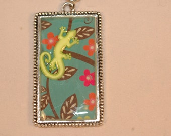 Gecko Necklace , Gecko Resin Pendant , Lizard Necklace