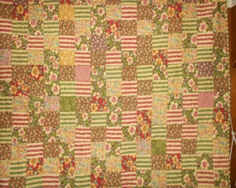 Queen size Bed Quilt Green and Pink Flowers 77