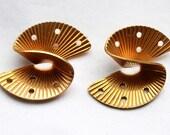 3 Vintage Brass Atomic Curved Stampings // Midcentury Mod Polka Dot