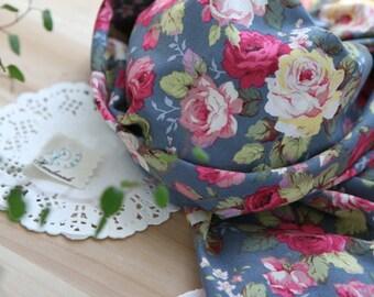 Lovely Rose Garden on Gray cotton, U7150