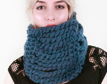 Loie's Roving Chain Cowl in Lapis Blue Heather 100% Ultra-Soft Wool (Choose your colors!)