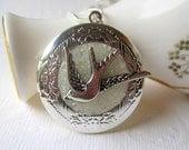 Photo Locket, Bird Locket, Stained Glass, Keepsake Jewelry, Silver locket, Glass Locket, Locket Jewelry, Bird Jewelry