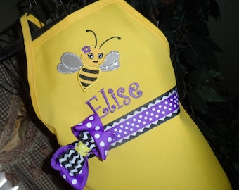 Personalized Busy Bee Apron, Kids Apron, Adult Apron, Yellow Apron, Bumble Bee Apron, Girl Apron, Girl Apron, Mommy and Me Apron