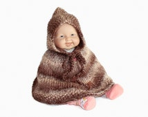 Baby poncho. Baby boy clothes. Baby cape. Brown beige gradient stripes. Newborn to 18 months. Baby shower gift. Unisex baby clothes.