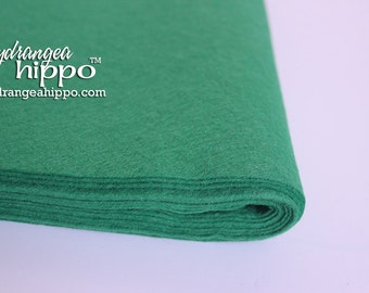 10 Sheets - KELLY Green - Wool Blend Felt - 12 x 18 inch sheets