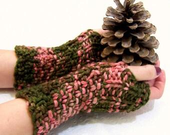 SALE Merino Fingerless Mittens, Button Cuff Fingerless Mitten, Knit Fingerless MIttens Olive Green, Coral Merino Wool, Winter Trends, Merino