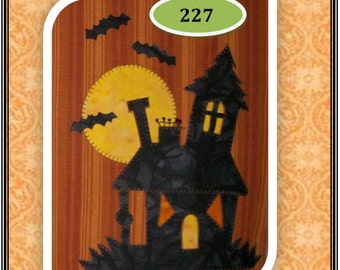 Haunted House Applique  Pattern for Tea Towel