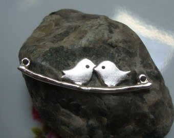 Love Birds Skylark Connectors, Two Birds On Branch, Kissing Birds, Birds Family, 925 Sterling Silver, 1 pc - PC-0004