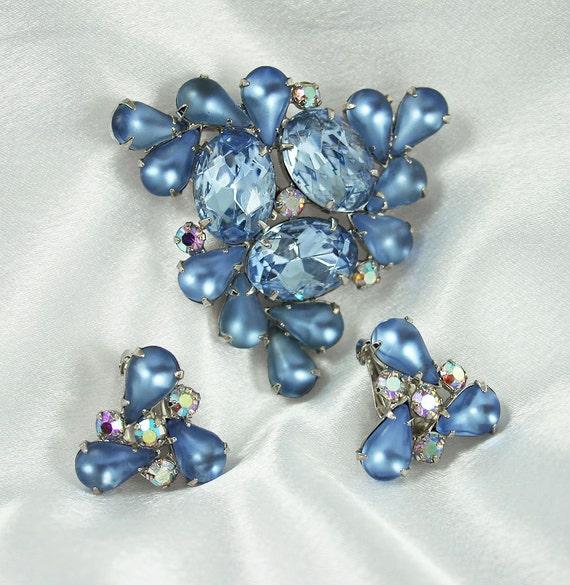 Vintage Aurora Borealis Rhinestone Frosted Blue Navette Brooch Earrings Set