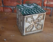 DO NOTHING up Cycle Tin BOX with a lid in old ceiling tin