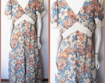 Vtg.60/70s Brown Tan Blue Cream Crochet Lace Flutter Sleeve Floral Maxi dress.M/L.Bust 38-40.Waist 30-32.Hips 46.