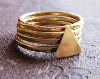 Stacking gold brass rings, hammered gold brass ring set, set of 4 hammered brass rings with triangle