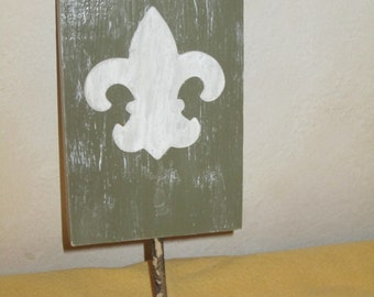 Fleur de Lis Wooden French Country Cottage Wall Plaque with Hook for Hat, Jewelry, Towel, Dog Leash, by ValsUnique
