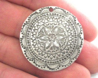 2 Pcs (36 mm) Oxidized Silver Plated  Medallion  Pendants G1103