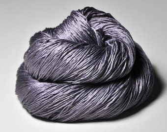 Withering lupin - Silk Fingering Yarn - Knotty skein