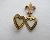Vintage Coro Fleur De Lis Locket Brooch c.1940s