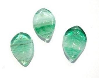 Czech Glass Sea Green Lined Leaf       (E4989)
