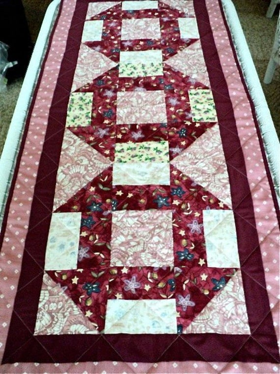 """Quilted Table Runner, Table Topper, Tablecloth - Maroon, Mauve and White - 18"""" wide x 42"""" long"""