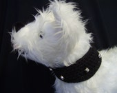 Black jingle bell collar with button closure, 15-16 inches