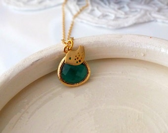 Emerald Green Pendant Necklace, Green Drop Pendant and Gold Bird Necklace, Emerald Teardrop Glass Stone Necklace, Gift or Wedding Jewelry