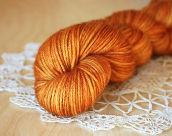 Hand Dyed DK Yarn / Caramel Burnt Orange Pumpkin Butterscotch Superwash Merino Wool / Caramello
